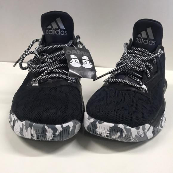buy popular 2f6de f86da adidas Chaussures New M 8 L 95 Damian Lillard Dame B Ball Poshmark